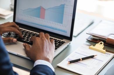 laptop-analytics-big-data-884450
